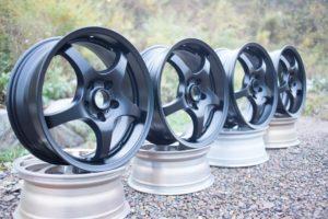 Порошковая покраска автомобильных дисков в черный цвет
